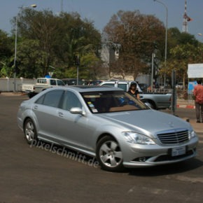 004-luxuskarosse-vientiane-laos