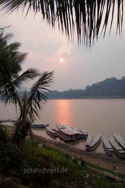 031-sonnenuntergang-ueber-dem-mekong-luang-prabang-laos