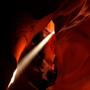 upper-antelope-canyon-lichtstrahl-01