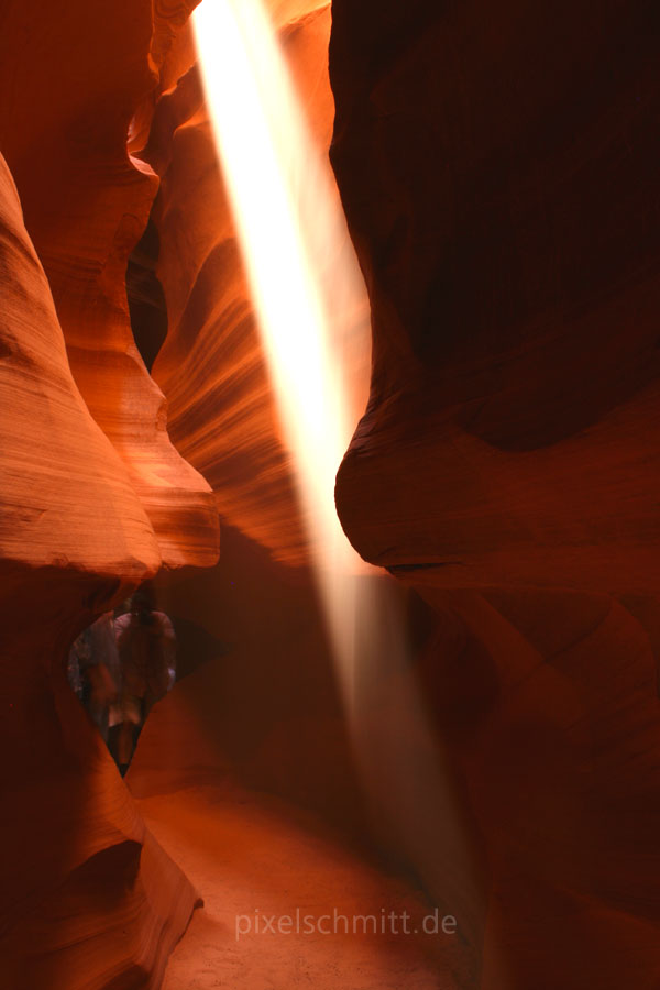 upper-antelope-canyon-lichtstrahl-04