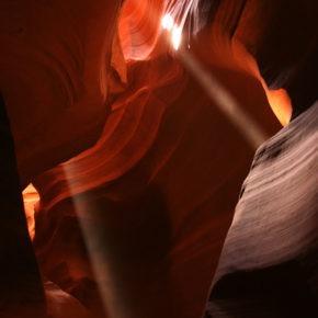 upper-antelope-canyon-lichtstrahl-07
