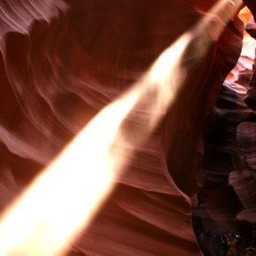 upper-antelope-canyon-lichtstrahl-09