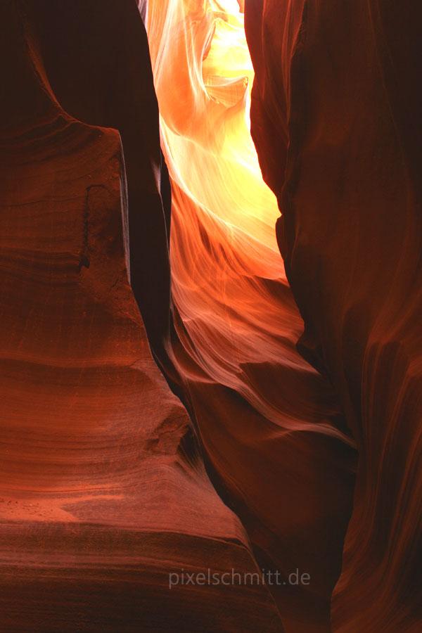 upper-antelope-canyon-lichtstrahl-10