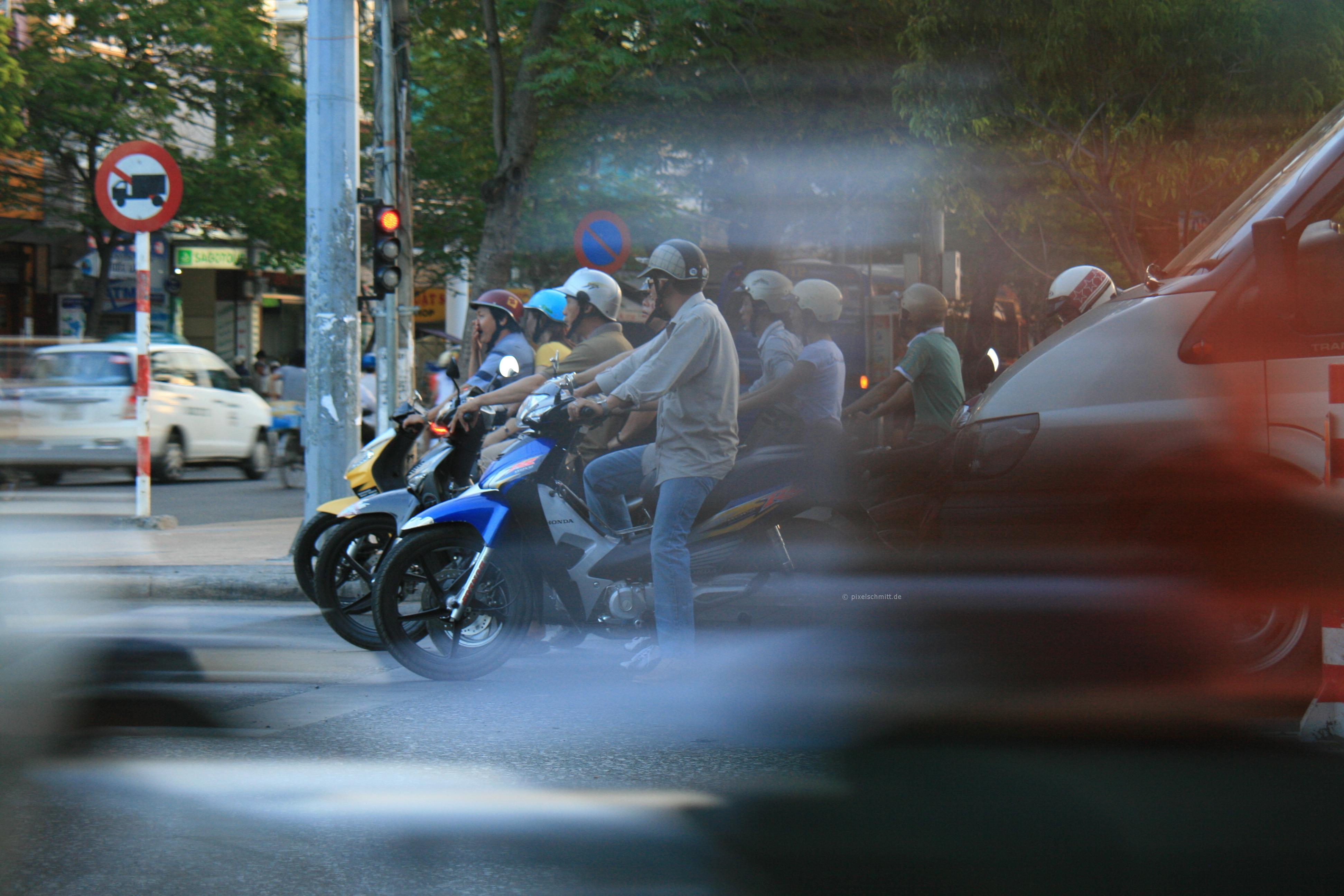 Mopeds, Mopeds, Mopeds! Das muss Saigon sein!