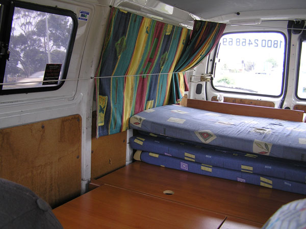 wicked-camper-bett