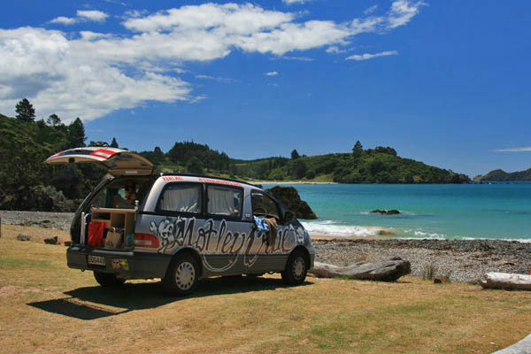 wicked-camper-neuseeland-strand