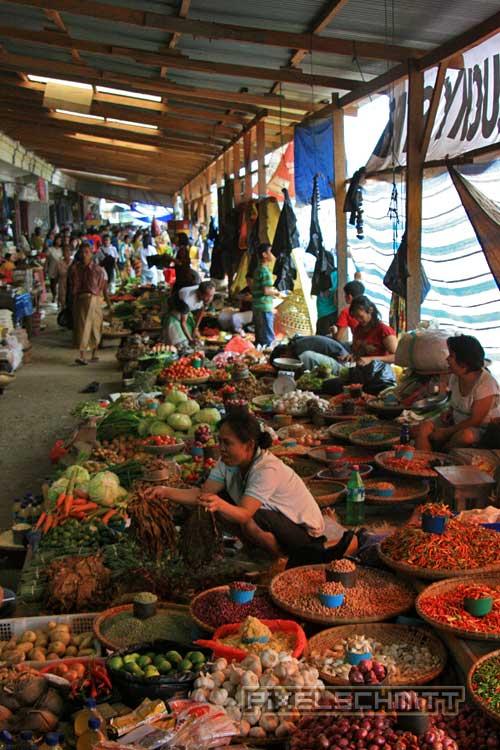 bueffel-markt-rantepao-sulawesi-kaffee-fotos-023
