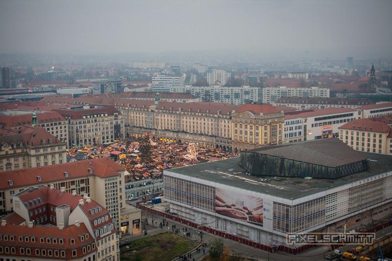 Blick von der Frauenkirche in Richtung Striezelmarkt