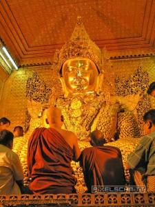 buddha-mahamuni-pagode-mandalay