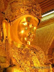 buddha-mahamuni-pagode-mandalay-gesicht