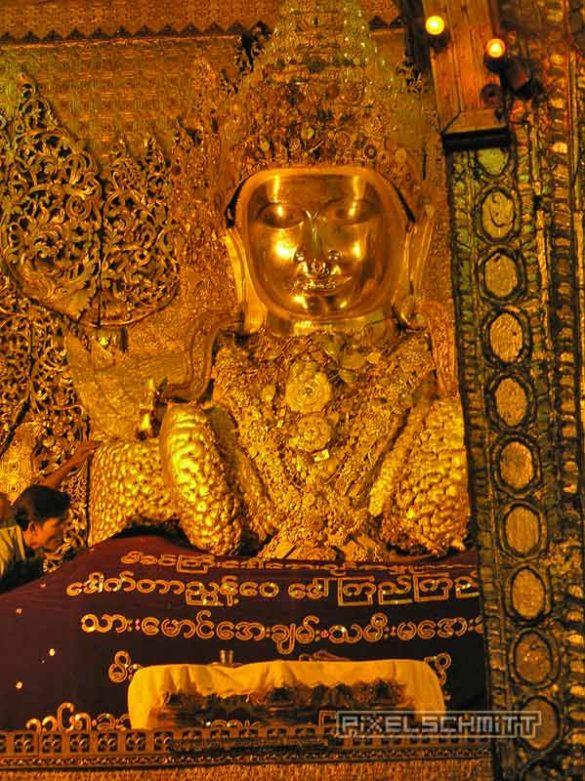 buddha-mahamuni-pagode-mandalay-nachtruhe