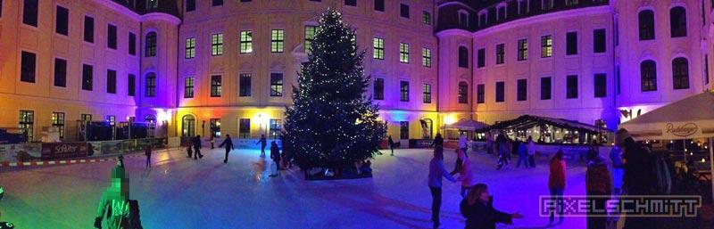 Eislaufbahn Dresden im Innenhof des Hotels Kempinski