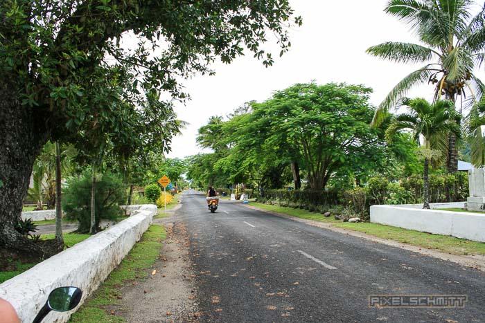 So sieht die Hauptstraße der Insel aus