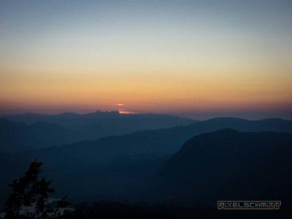 how-to-climb-adams-peak-sri-lanka-sri-pada-21