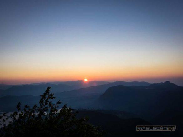 how-to-climb-adams-peak-sri-lanka-sri-pada-22