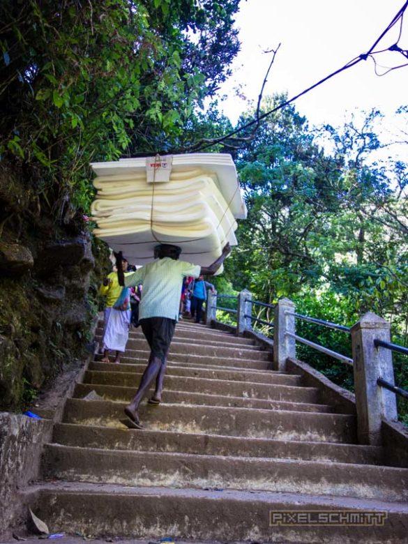 how-to-climb-adams-peak-sri-lanka-sri-pada-41