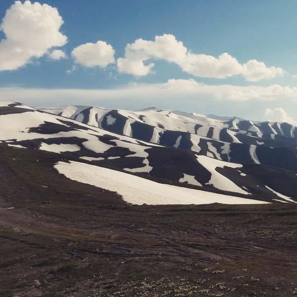 Sicht vom Pass auf die Shoh Mountain Range