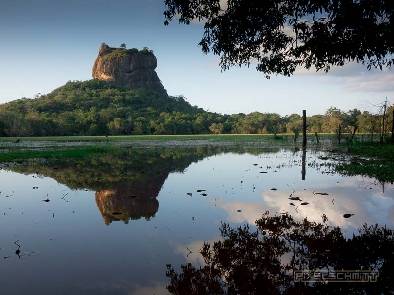 Sigiriya: Warum baut man bitte eine komplette Festung auf einen erloschenen Vulkan?