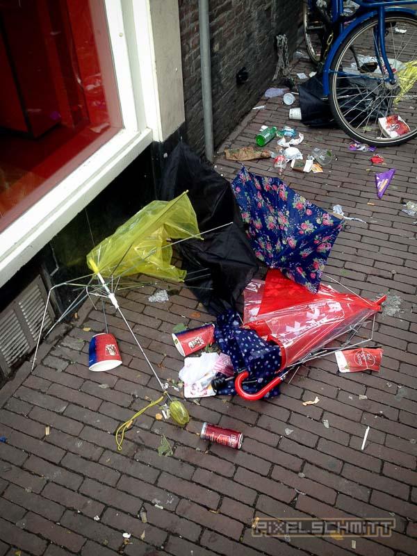 orkan-amsterdam-regenschirme-11