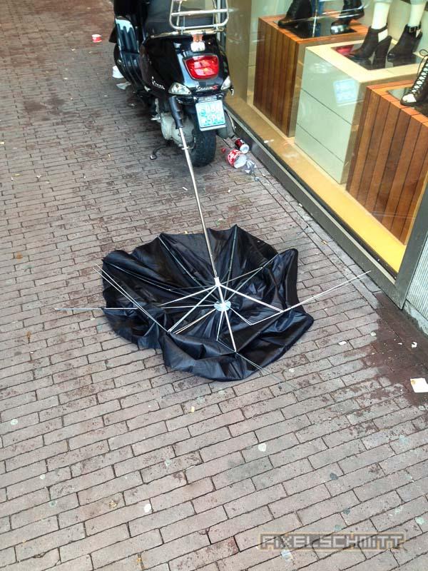 orkan-amsterdam-regenschirme-14