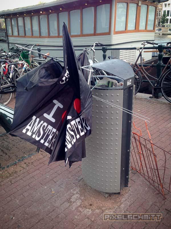 orkan-amsterdam-regenschirme-19