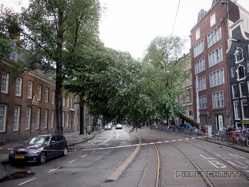 orkan-amsterdam-regenschirme-20