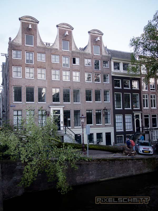 orkan-amsterdam-regenschirme-21