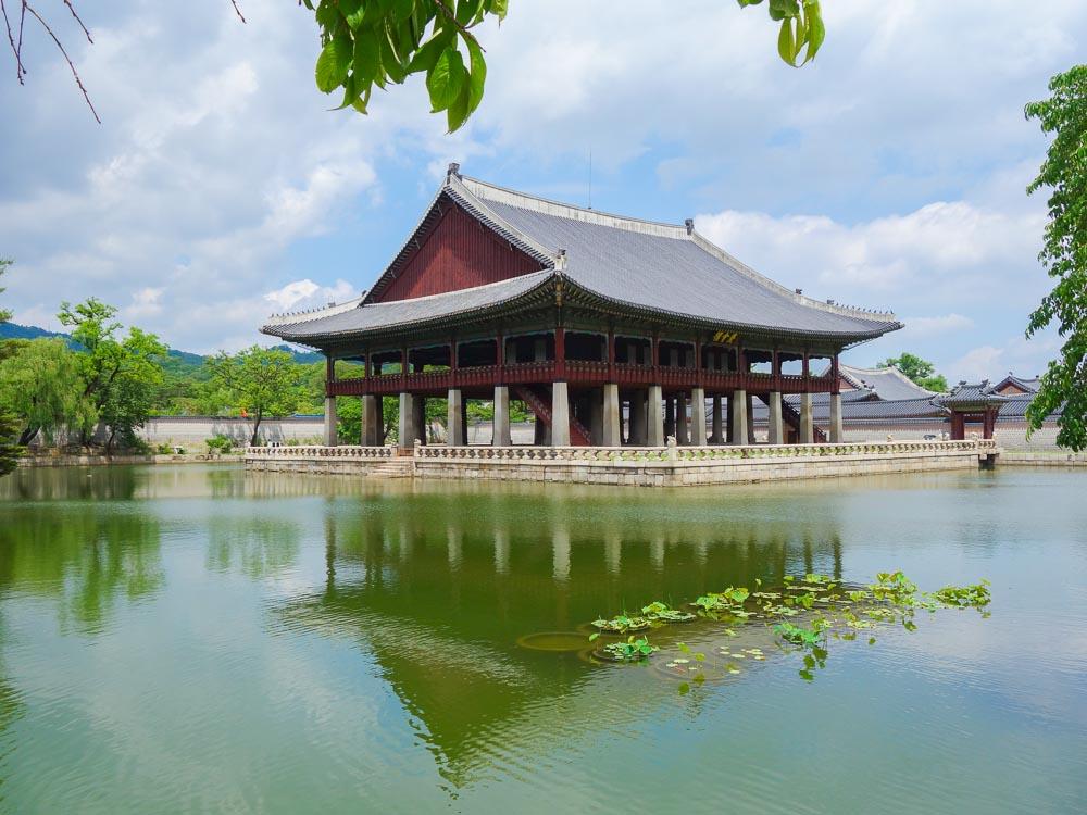seoul gyeongbokgung palace wasser palast gyeonghoeru