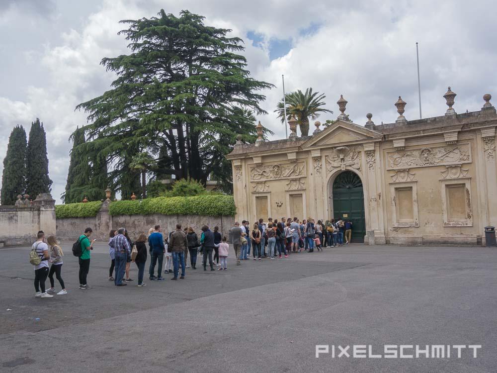 Sehenswürdigkeit in Rom: Schlüsselloch an der Piazza dei Cavalieri di Malta
