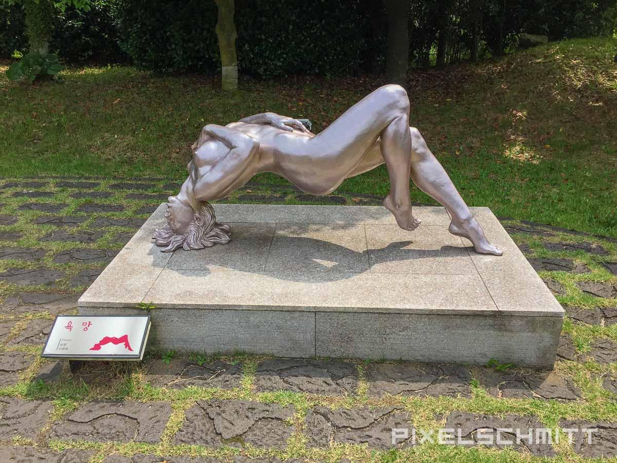 Die große Skulptur in klein