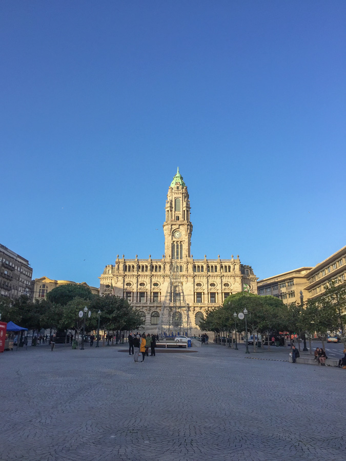Porto: Avenida dos Aliados mit Rathaus