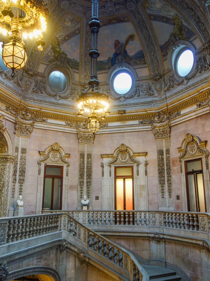 Im Palacio da Bolsa