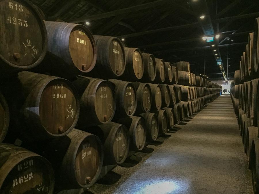 Blick in einen der vielen Weinkeller