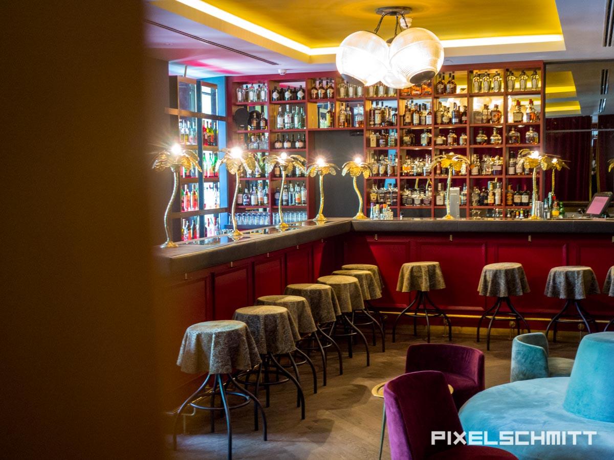 Ein Blick in die Boilerman Bar im 25 Hours Hotel München