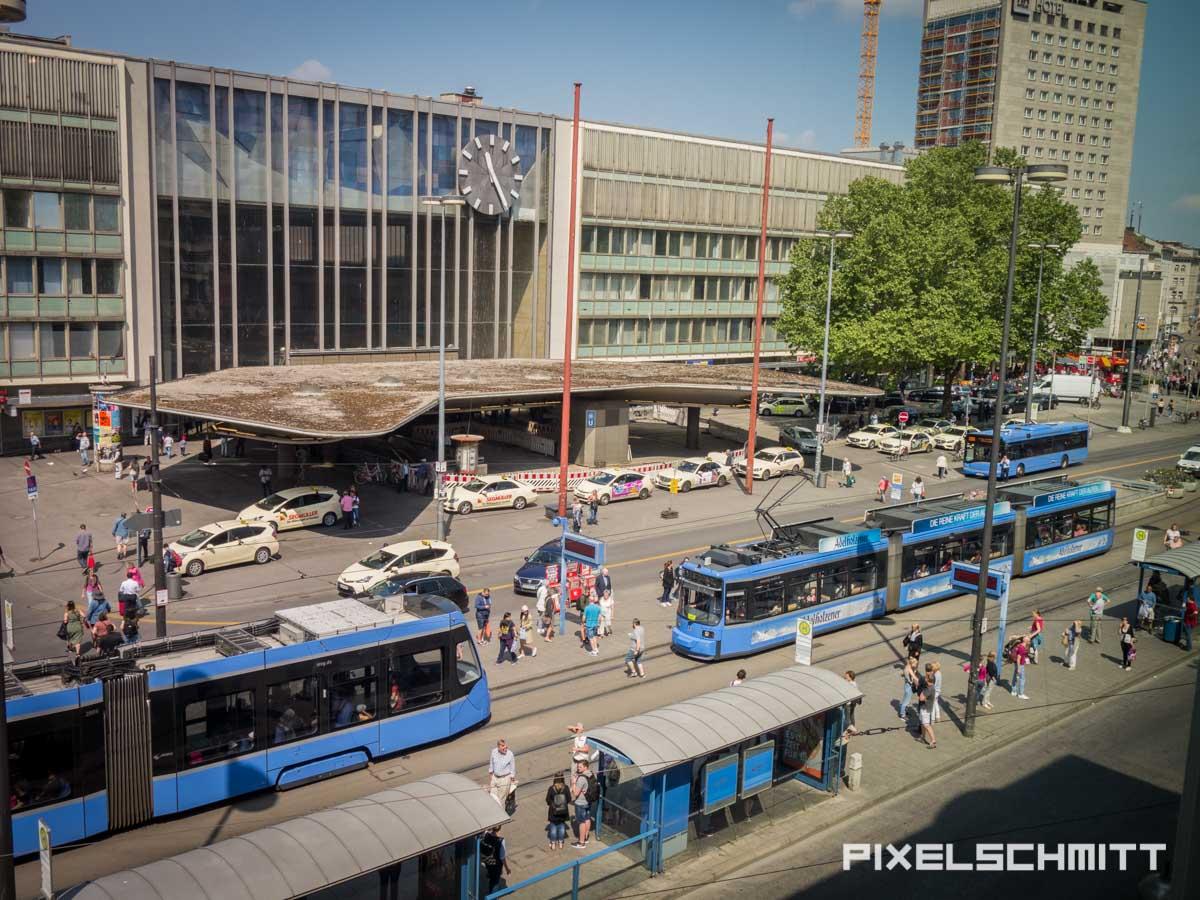 Direkt am Hauptbahnhof München: 25 Hours Hotel The Royal Bavarian München