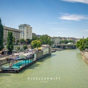 Wien Sehenswürdigkeiten: das Badeschiff auf der Donau