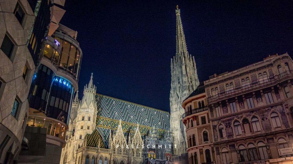 Stephansdom Wien bei Nacht