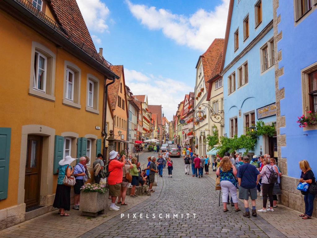Touristen in Rothenburg ob der Tauber
