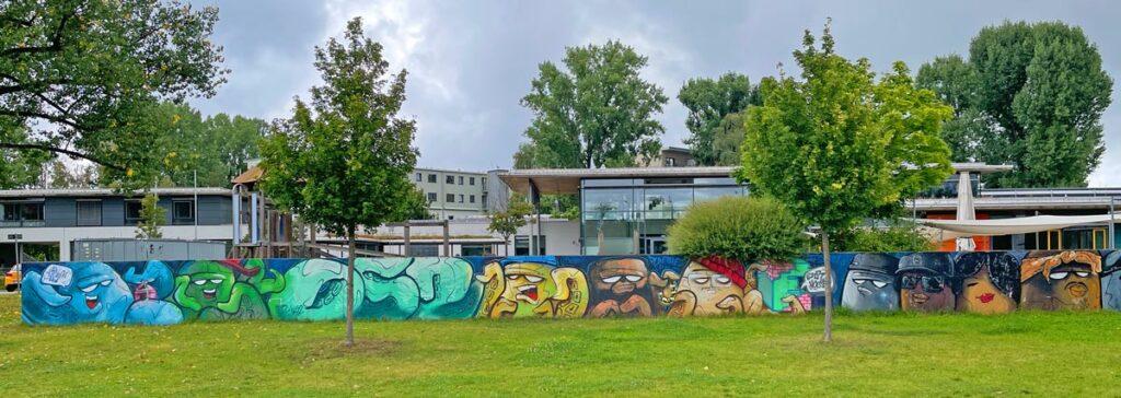 Graffiti in Erlangen: kl52 Easthouse